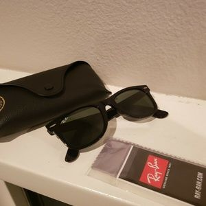Ray Ban RB2140 Unisex sunglasses Black